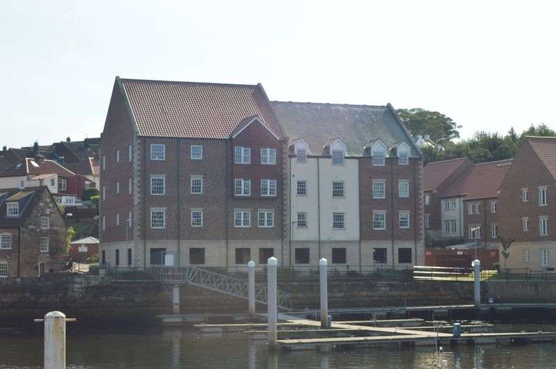 2 Bedrooms Flat for sale in Whitehall Landing, Whitby