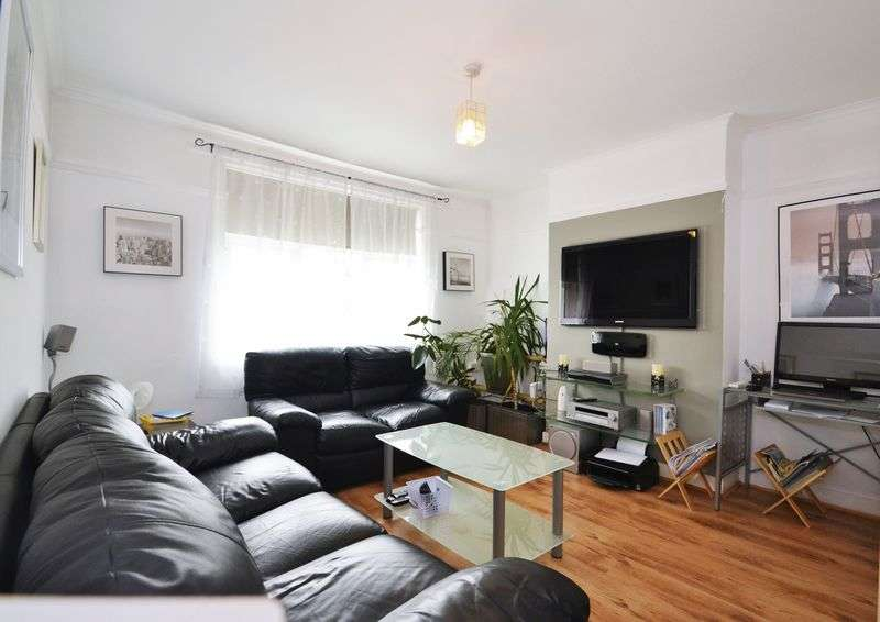3 Bedrooms Semi Detached House for sale in Sandringham Road, Bromley