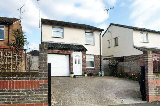 4 Bedrooms Detached House for sale in Fastnet Way, Littlehampton, West Sussex, BN17