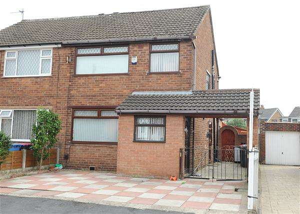 3 Bedrooms Semi Detached House for sale in 18 Colling Close, Irlam M44 6BY