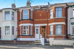 3 Bedrooms Terraced House for sale in Linden Road, Gillingham, Kent, .