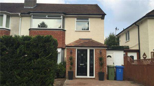3 Bedrooms Semi Detached House for sale in Beech Road, Farnborough, Hampshire