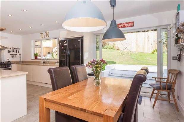 4 Bedrooms Detached House for sale in Friars Way, HASTINGS, East Sussex, TN34