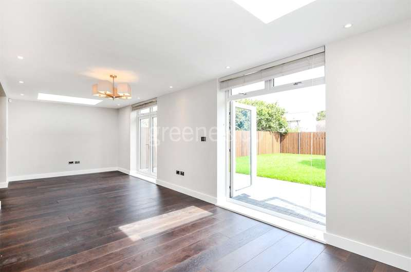 4 Bedrooms Detached House for sale in Wallcote Avenue, Cricklewood, London, NW2
