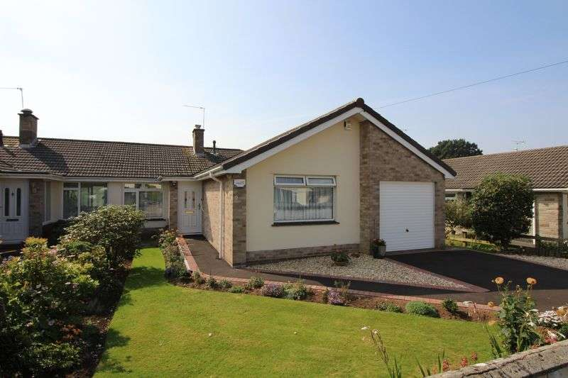 2 Bedrooms Semi Detached Bungalow for sale in The Chimes, Nailsea