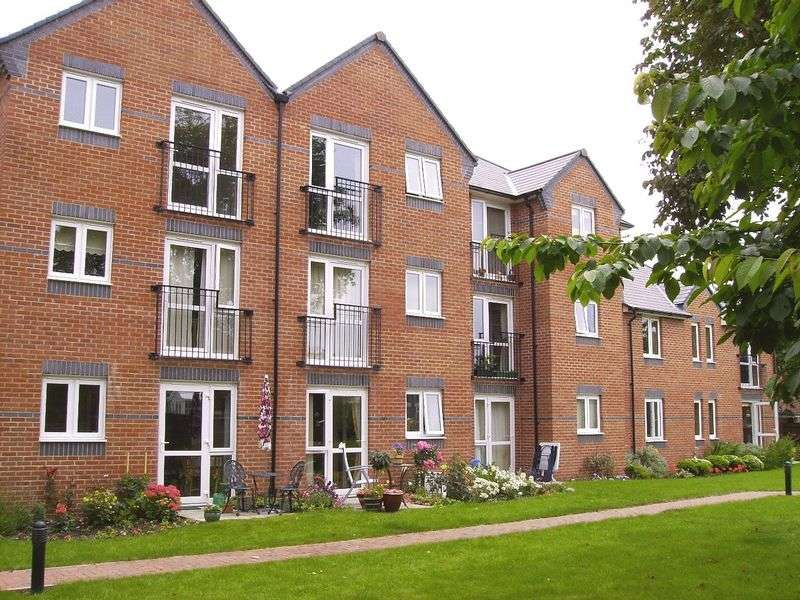 1 Bedroom Retirement Property for sale in Allandale Court, Burnham-on-Sea, TA8 2BT