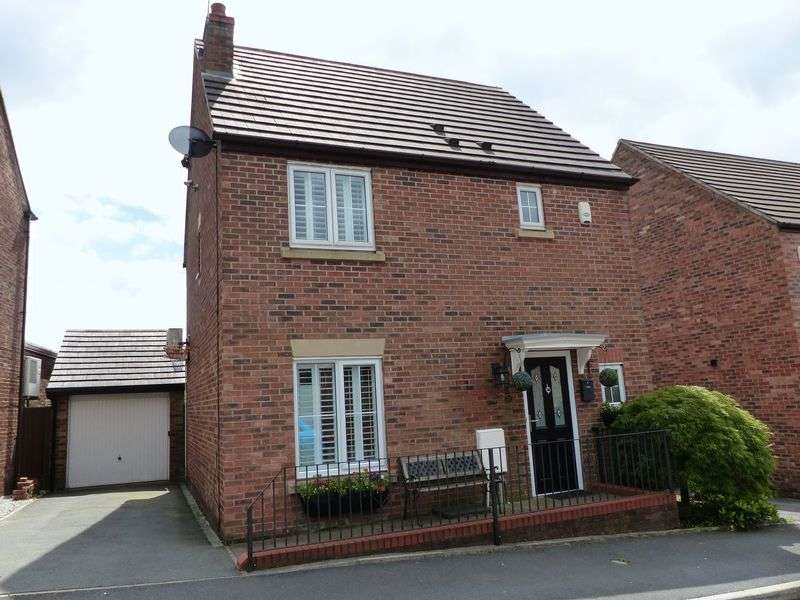 3 Bedrooms Detached House for sale in Goldsworth Road, Oldham