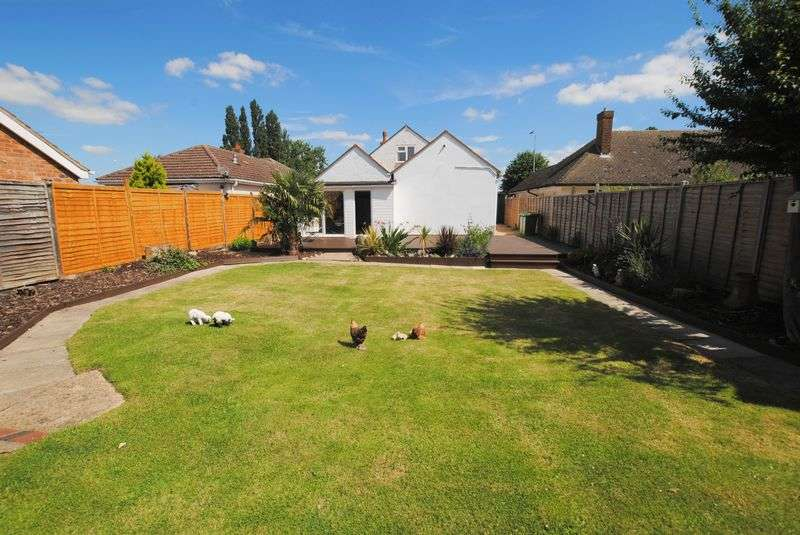 4 Bedrooms Detached Bungalow for sale in Wellingborough Road, Rushden