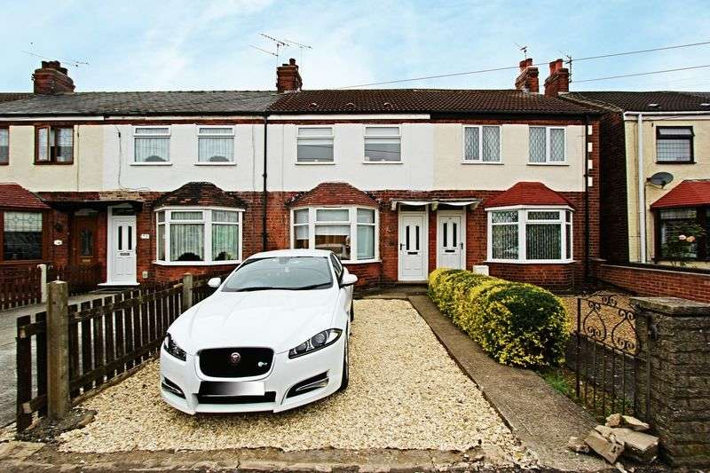 3 Bedrooms Terraced House for sale in St. Nicholas Avenue, Hull
