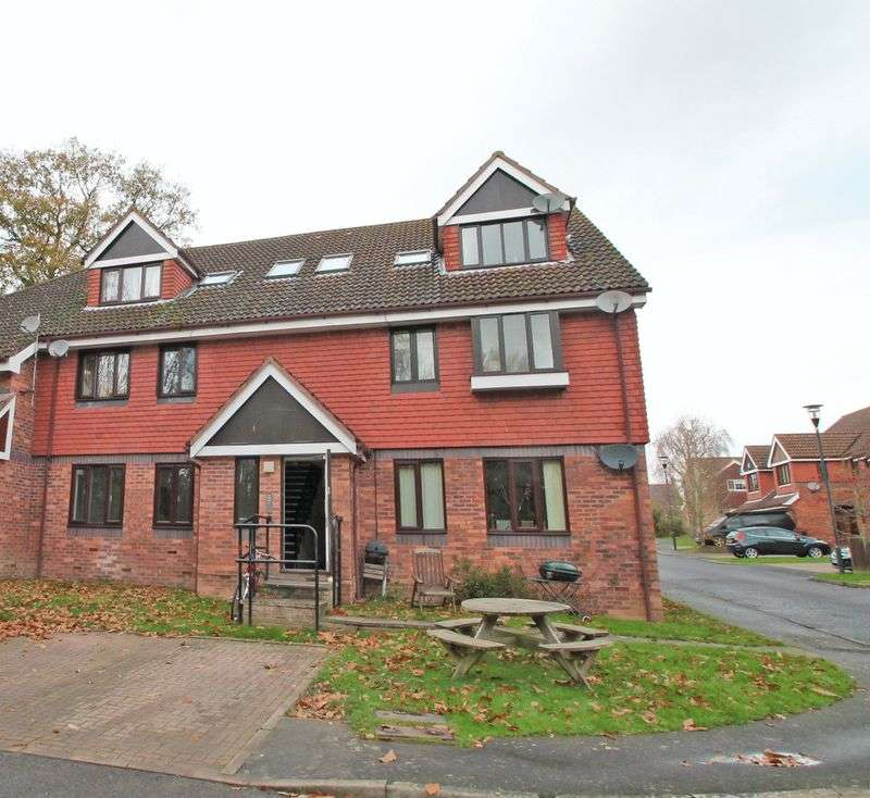 2 Bedrooms Flat for sale in Porters Close, Matfield