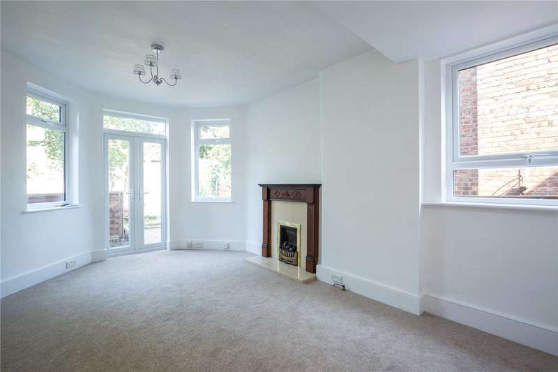 2 Bedrooms Maisonette Flat for sale in North View Road, Crouch End, London, N8
