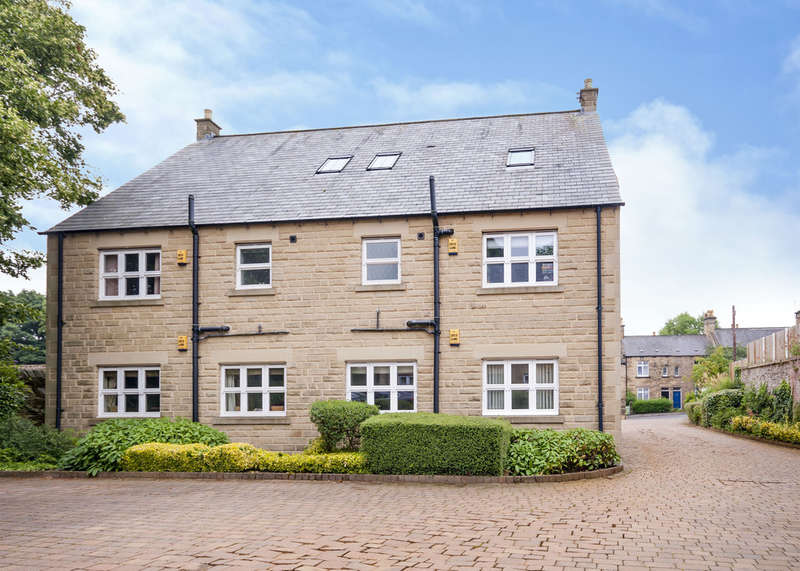 3 Bedrooms Flat for sale in 5 Hillfoot Court, Totley, S17 4AZ