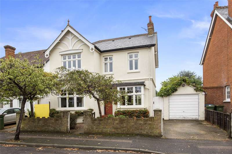 4 Bedrooms Detached House for sale in Mount Pleasant, Weybridge, Surrey, KT13