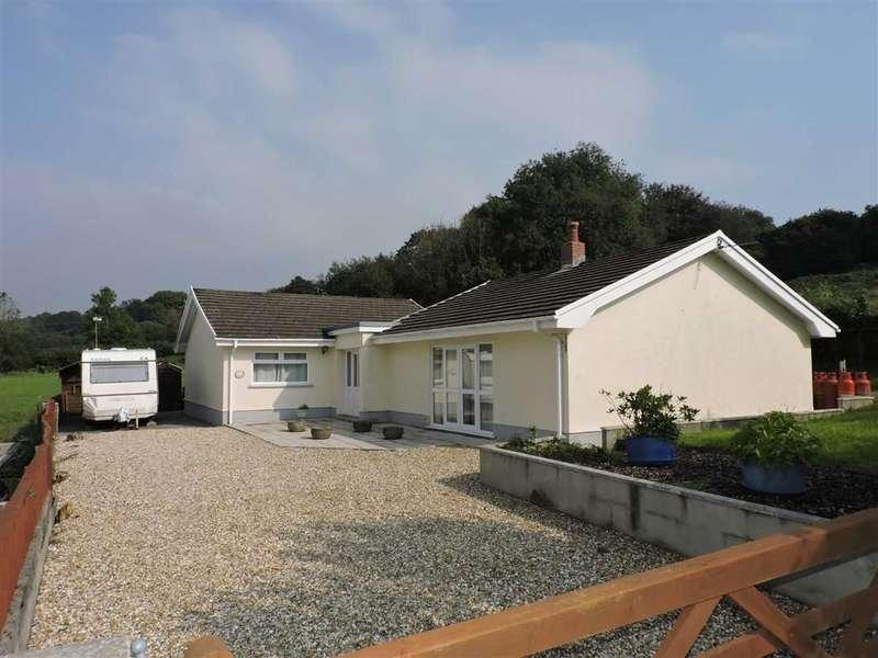 4 Bedrooms Property for sale in Heol Y Maerdy, Ffairfach