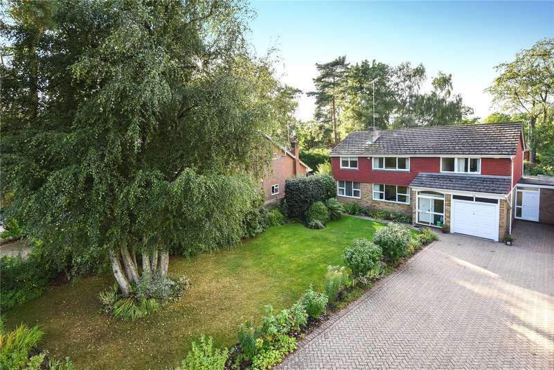 4 Bedrooms Detached House for sale in Heathpark Drive, Windlesham, Surrey, GU20