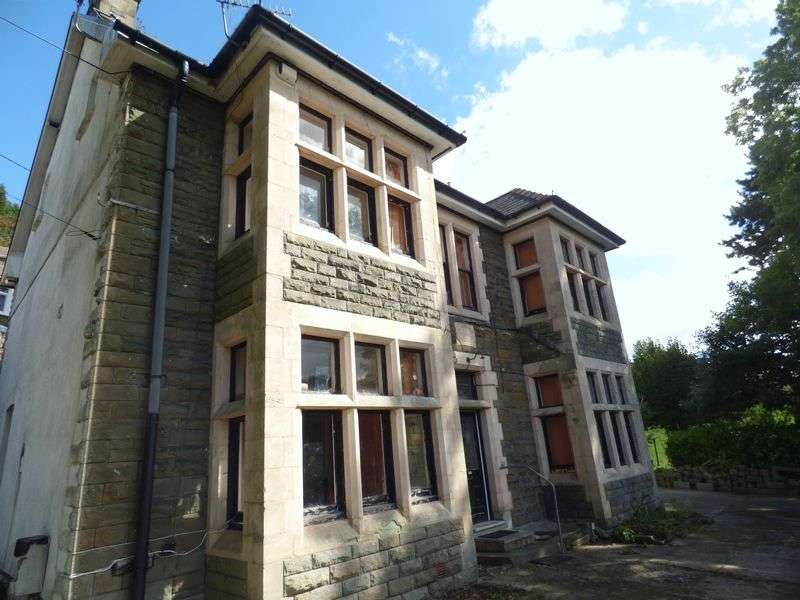 8 Bedrooms Detached House for sale in Aberbeeg, Abertillery
