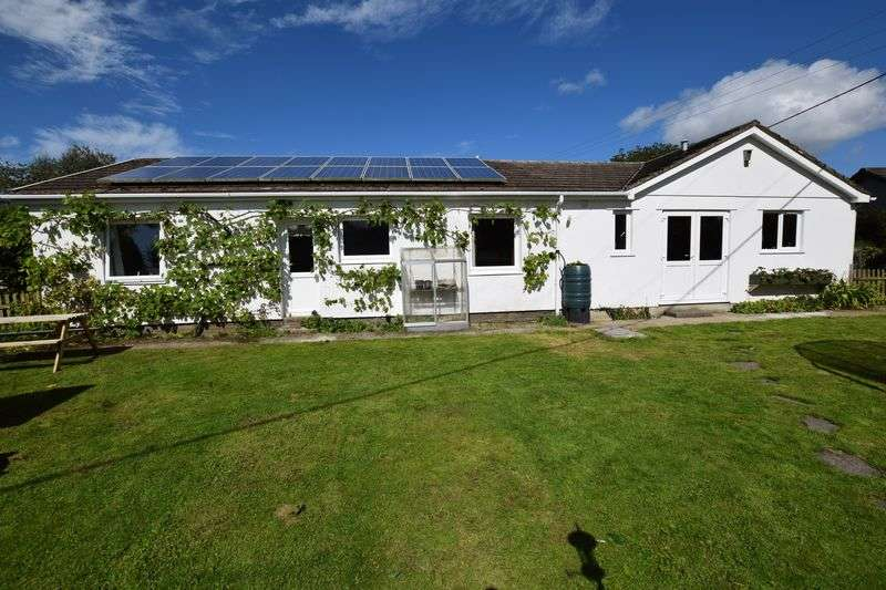 4 Bedrooms Detached Bungalow for sale in Trevadlock, Launceston