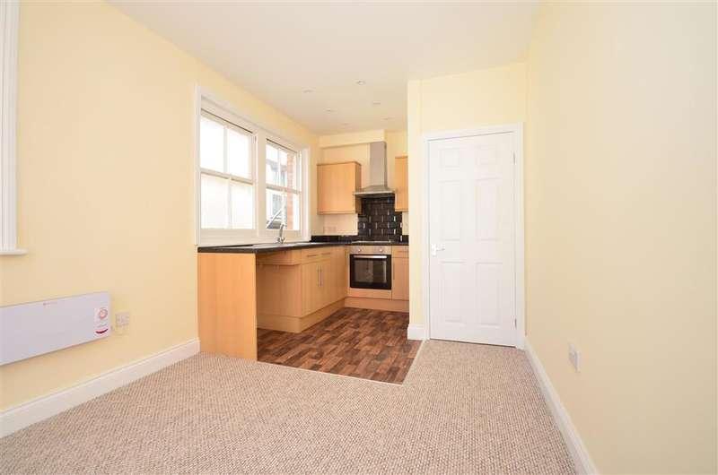 1 Bedroom Flat for sale in High Street, Horley, Surrey