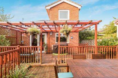 3 Bedrooms Detached House for sale in Sandiway Drive, Briercliffe, Burnley, Lancashire