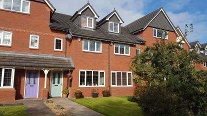 4 Bedrooms House for sale in Abbey Court, Poynton, Stockport, Cheshire
