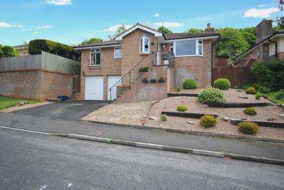 3 Bedrooms Bungalow for sale in Honiton, Devon