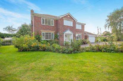 4 Bedrooms Detached House for sale in The Walled Garden, Keddington Road, Louth, Lincolnshire
