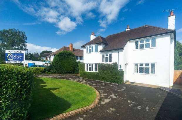 4 Bedrooms Detached House for sale in Midway, St Albans, Hertfordshire