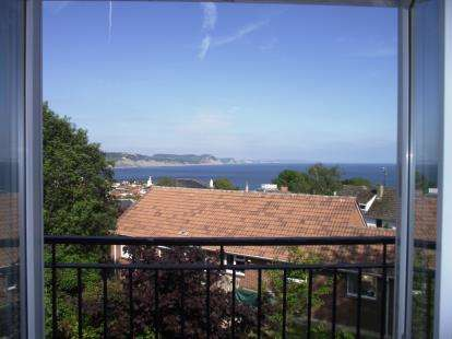 2 Bedrooms Maisonette Flat for sale in Pound Road, Lyme Regis
