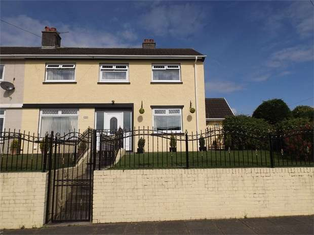 4 Bedrooms Semi Detached House for sale in Lon Hir, Carmarthen