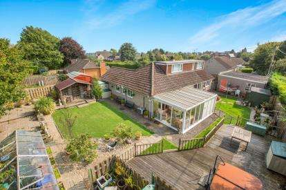 5 Bedrooms Bungalow for sale in Paven Close, Purton, Swindon, Wiltshire