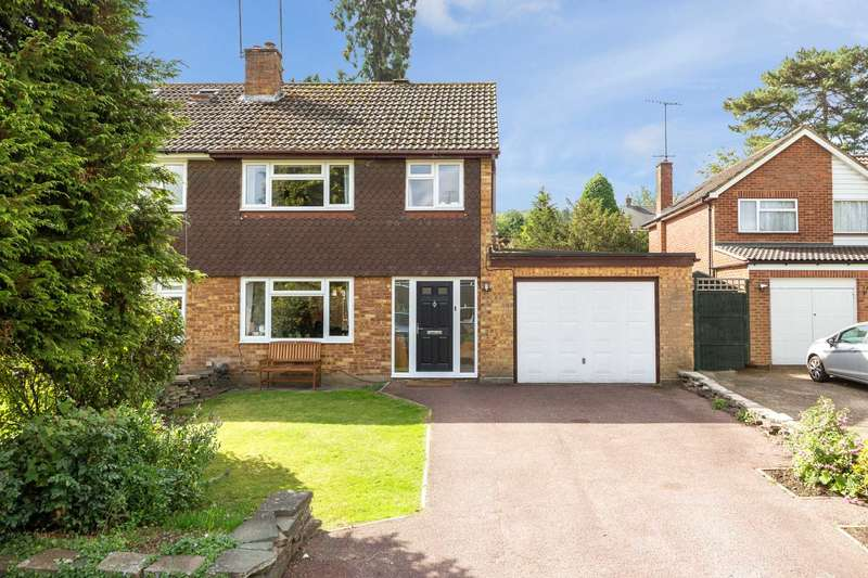 3 Bedrooms Semi Detached House for sale in Lochnell Road, Berkhamsted