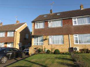 4 Bedrooms Semi Detached House for sale in Pound Field, Sandhurst, Cranbrook, Kent