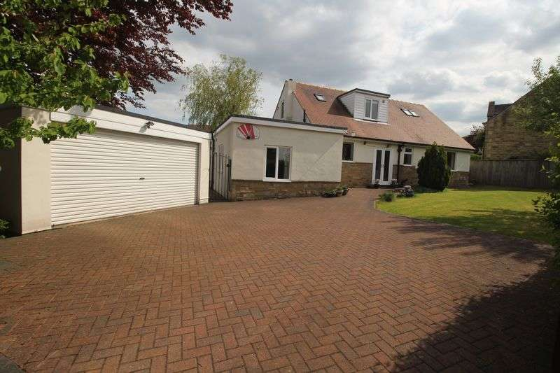 4 Bedrooms Detached House for sale in Somerset Avenue, Brighouse