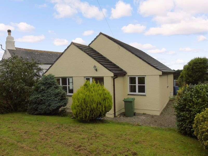 3 Bedrooms Detached Bungalow for sale in Jubilee Place, Penzance, Cornwall TR19