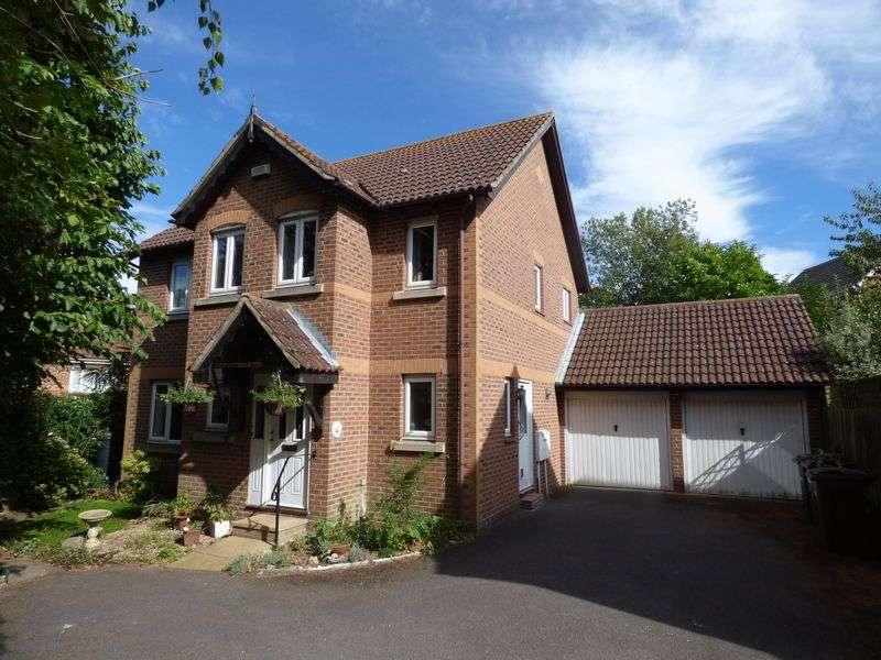 4 Bedrooms Detached House for sale in Singleton