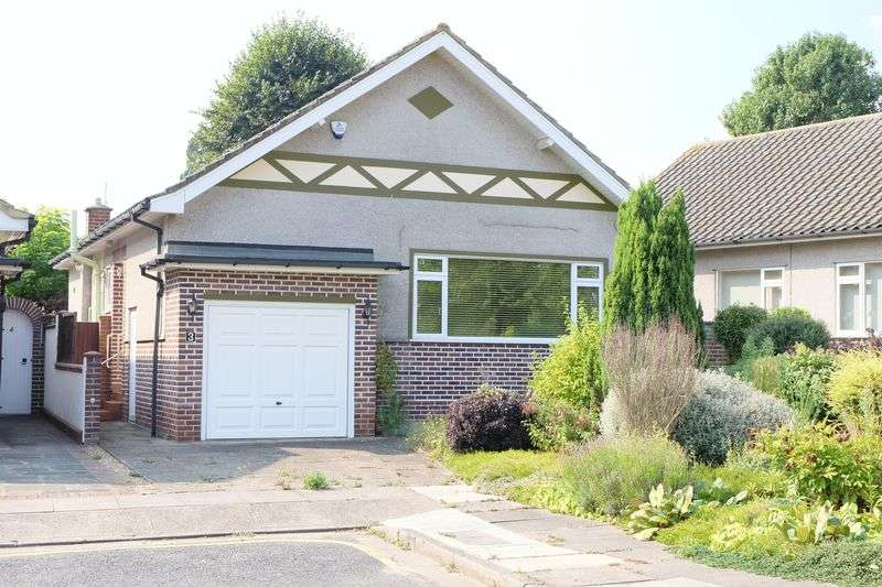 2 Bedrooms Detached Bungalow for sale in Parkhurst Gardens, Bexley