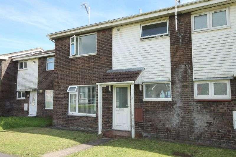 3 Bedrooms Terraced House for sale in Llys-Y-Drindod, SA15 2EE