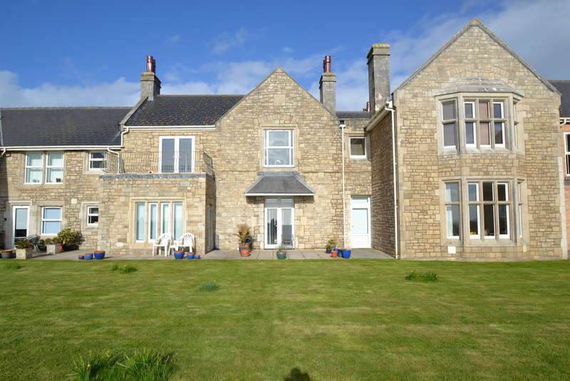 2 Bedrooms Flat for sale in Apartment 8, Y Graig, Craig Yr Eos, Ogmore By Sea, Vale Of Glamorgan, CF32 0PN