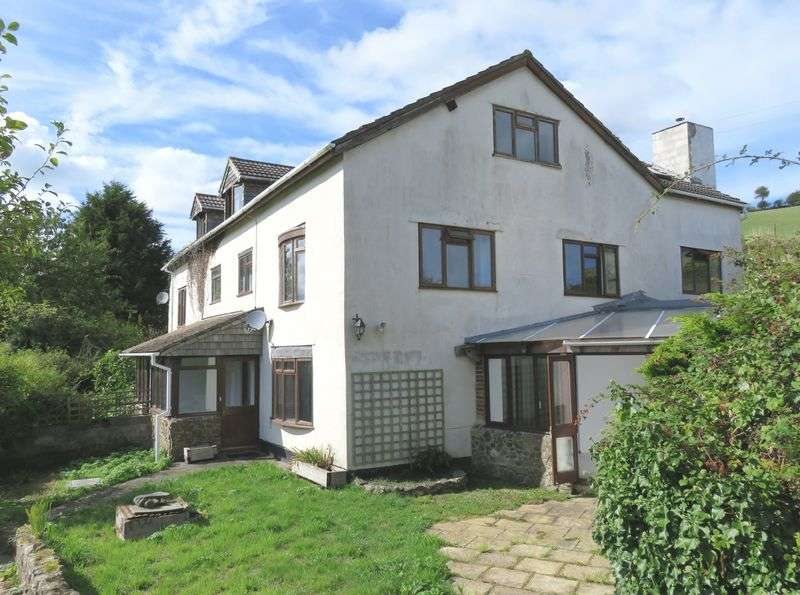 4 Bedrooms Semi Detached House for sale in Doddiscombsleigh, Exeter