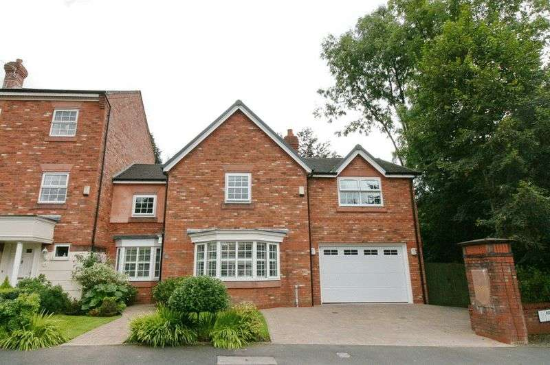 4 Bedrooms Semi Detached House for sale in Manthorpe Avenue, Worsley Manchester
