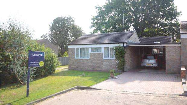 3 Bedrooms Detached Bungalow for sale in Corfe Mews, Caversham, Reading