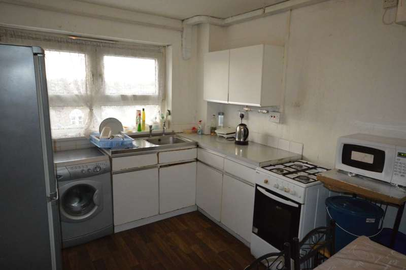 2 Bedrooms Flat for sale in Studley Road, Wanstead Park