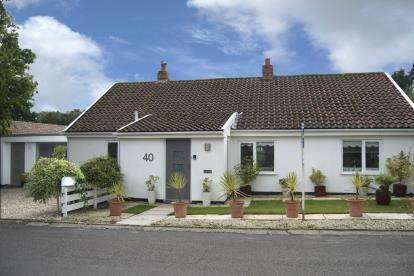 2 Bedrooms Bungalow for sale in Holt, Norfolk
