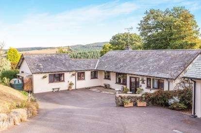 5 Bedrooms Bungalow for sale in Exeter, Devon