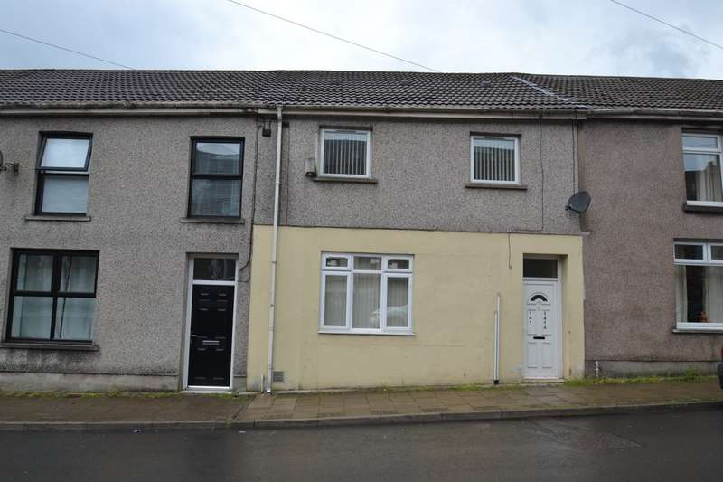 3 Bedrooms Ground Flat for sale in 141 Oxford Street, Pontycymer, Bridgend, Bridgend County Borough, CF32 8DE