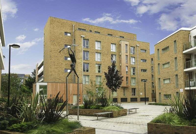 2 Bedrooms Flat for sale in Kidwells Close, Maidenhead