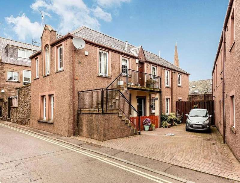 3 Bedrooms Flat for sale in Martins Lane, Brechin, DD9