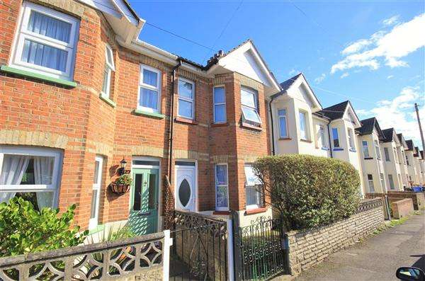 2 Bedrooms Terraced House for sale in Weymouth Road, Poole