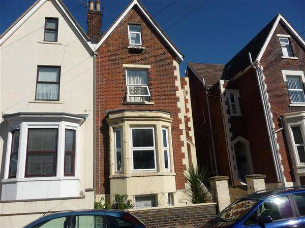 2 Bedrooms Apartment Flat for sale in Cavendish Road, Southsea