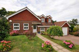 4 Bedrooms Detached House for sale in Birling Park Avenue, Tunbridge Wells, Kent